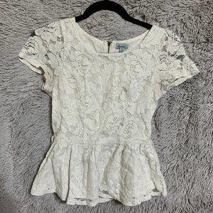 XS cream peplum blouse